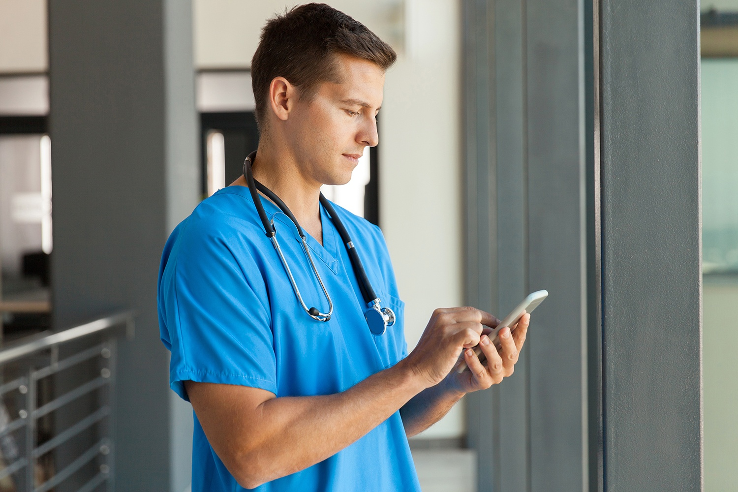 healthcare-mobile-device-management-1500